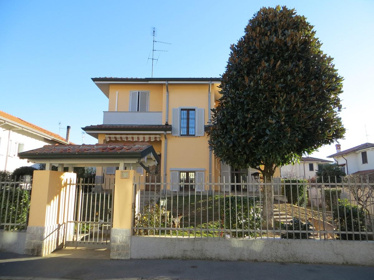 Villa  ARLUNO