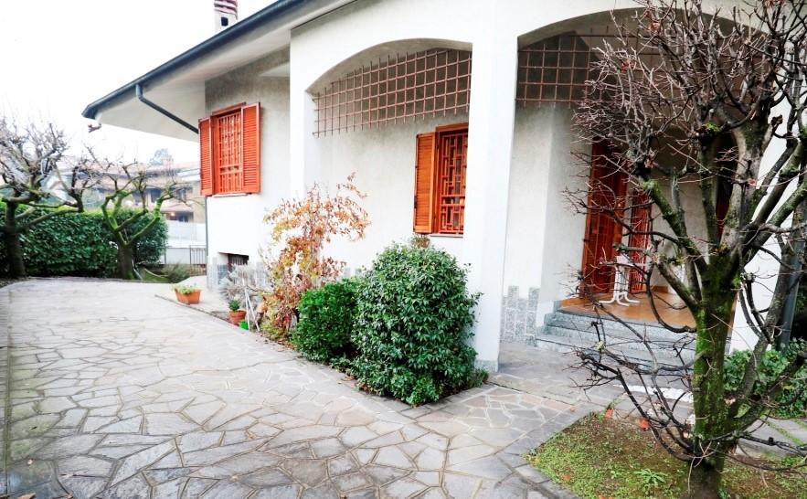 Villa  NOVATE MILANESE